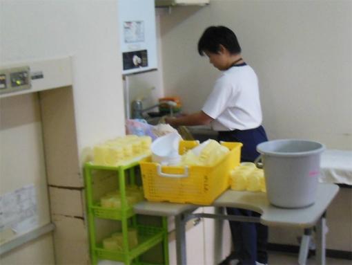 生徒は、老人保健施設まほろばさんで高齢者の生活支援実習をさせていただき... 職場実習  NPO